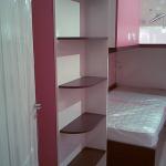 детска-стая-ъглови-етажерки