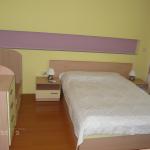 мебели за спалня по поръчка, светли