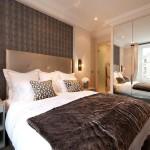 спалнята с меко осветление