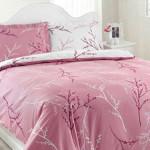 розово и бяло - светлина и свежест в спалнята
