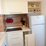 кухня в бяло, качествени механизми за шкафове