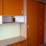 мебели за детска стая по поръчка в портокалов цвят