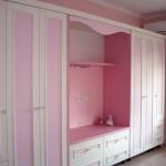 секция ретро розово и бяло