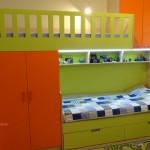 зелено и оранжево, двуетажно легло